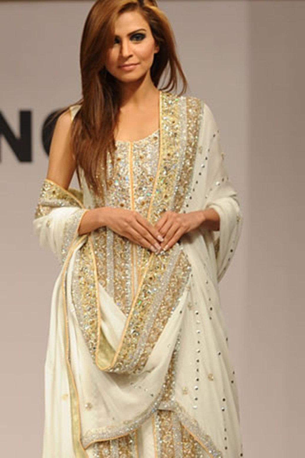 بالصور فساتين اعراس هندي , اجمل فستان هندى 247 2