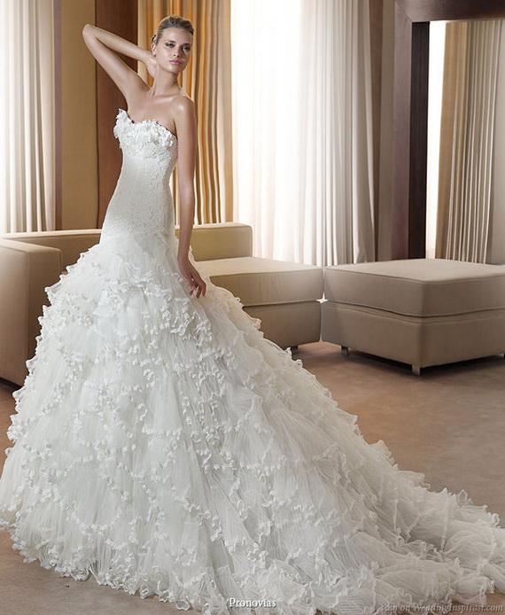 بالصور فساتين زفاف تجنن , اشيك فساتين افراح , تعالي يا قمراية تجنن 302 1