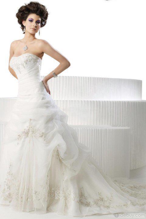 بالصور فساتين زفاف تجنن , اشيك فساتين افراح , تعالي يا قمراية تجنن 302 2