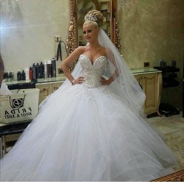 بالصور فساتين زفاف تجنن , اشيك فساتين افراح , تعالي يا قمراية تجنن 302 3
