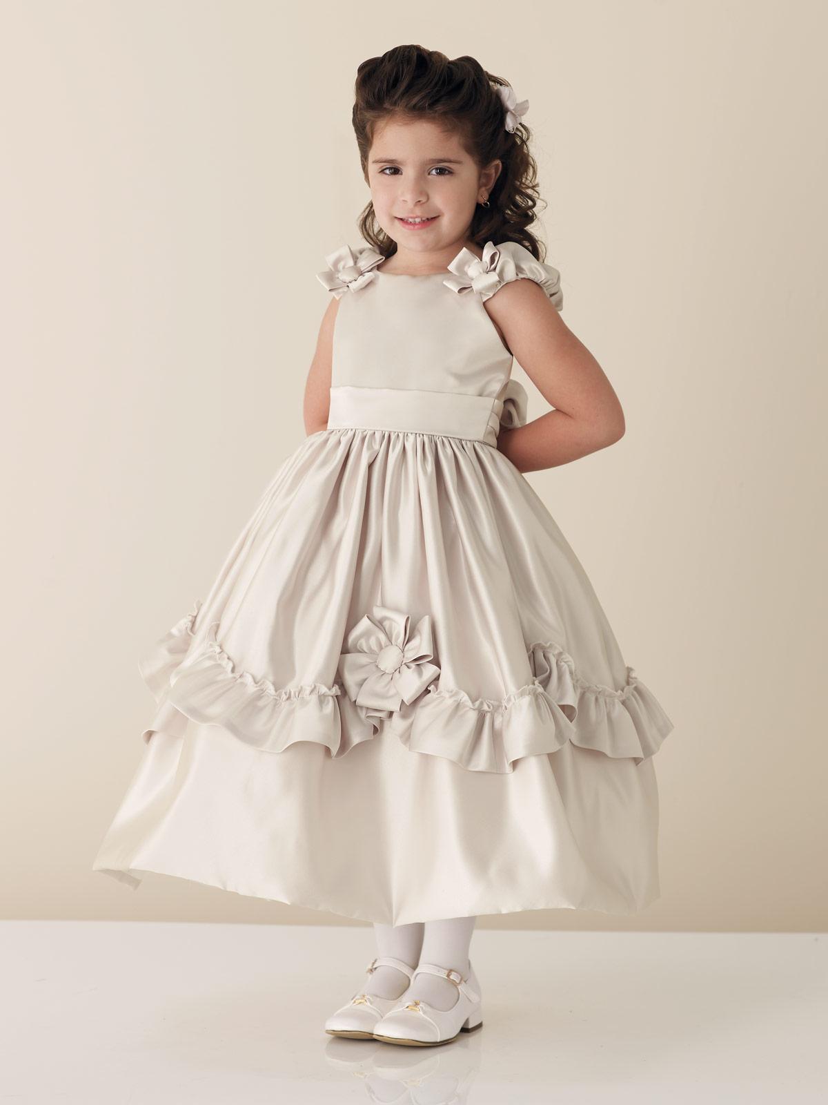 بالصور فساتين للاعراس اطفال , لاحلي البنات العرايس 379
