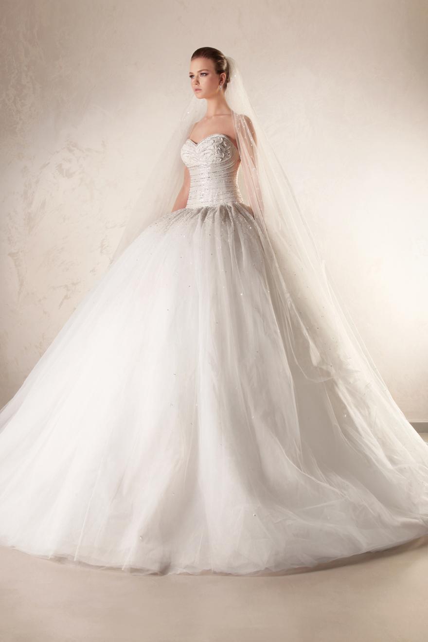 بالصور فساتين زفاف فخمه 2019 احدث فساتين فخمه للعروس 2019 , فرحتك هتكمل معانا يا موزة 383 7