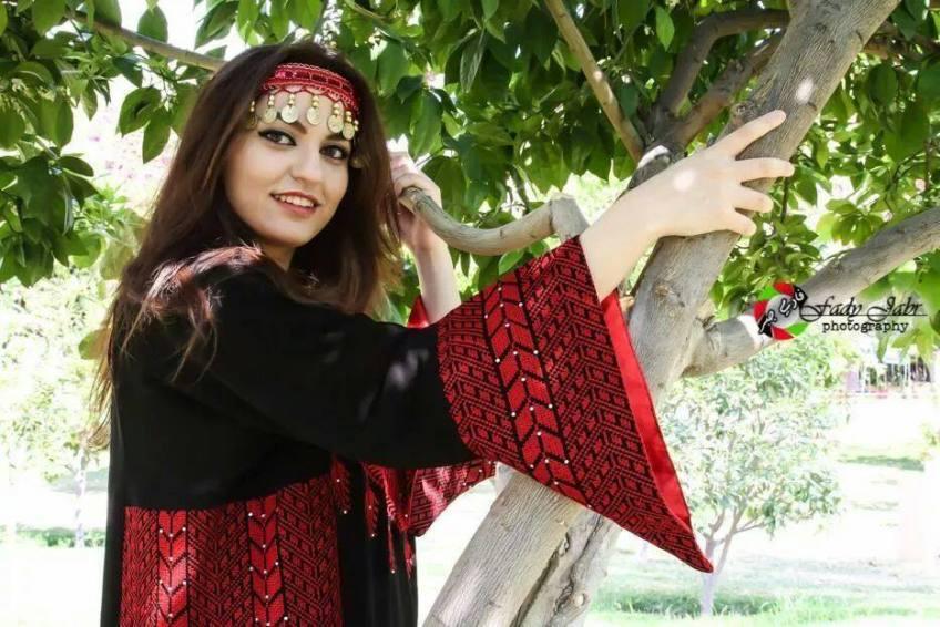 بالصور ازياء الشنتير طولكرم فيس بوك , احدث الموديلات الفلسطينية الجذابة 388 2