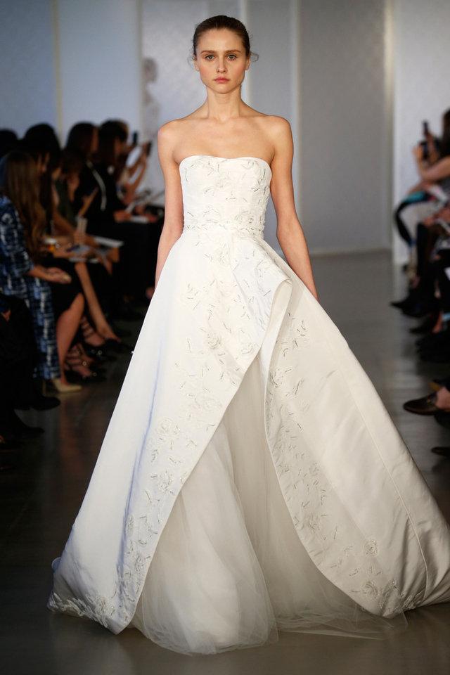 بالصور تصميمات فساتين زفاف 2019 , احدث وارق موديلات فستان الزواج 484 4