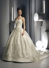 بالصور تصميمات فساتين زفاف 2019 , احدث وارق موديلات فستان الزواج 484 7