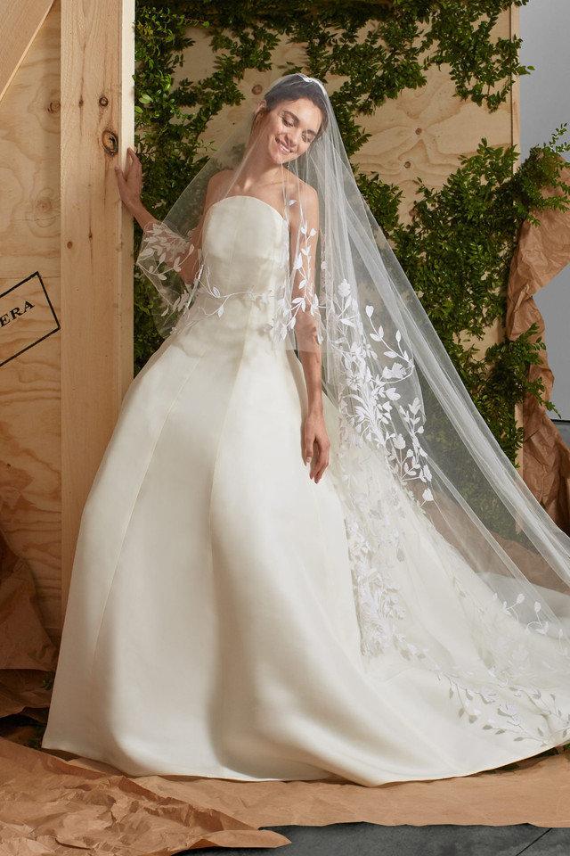 7aed76fb4 تصميمات فساتين زفاف 2019 , احدث وارق موديلات فستان الزواج - فساتين