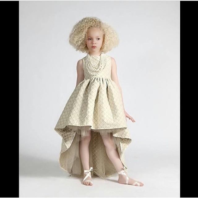بالصور تفصيل فساتين صيفية , لاحلى اطفال , شياكة البنات الصغار مع ارتدائها الملابس الجميلة 517 5