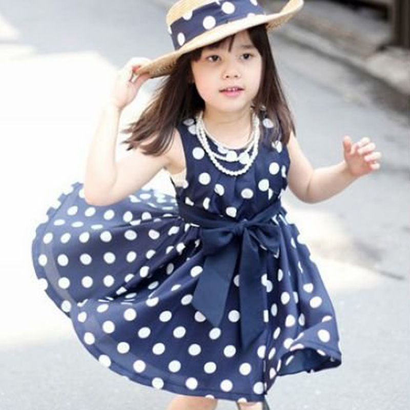 بالصور تفصيل فساتين صيفية , لاحلى اطفال , شياكة البنات الصغار مع ارتدائها الملابس الجميلة 517 9