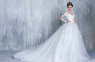 صوره جديد فساتين زفاف 2019 , لكل عروسة موضة فساتين جديدة