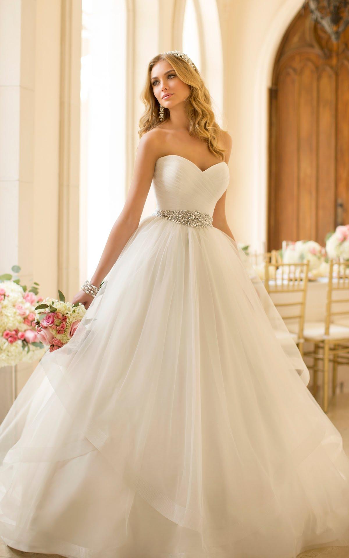 e9c318c70eac1 جديد فساتين زفاف 2019. لكل عروسة موضة فساتين جديده