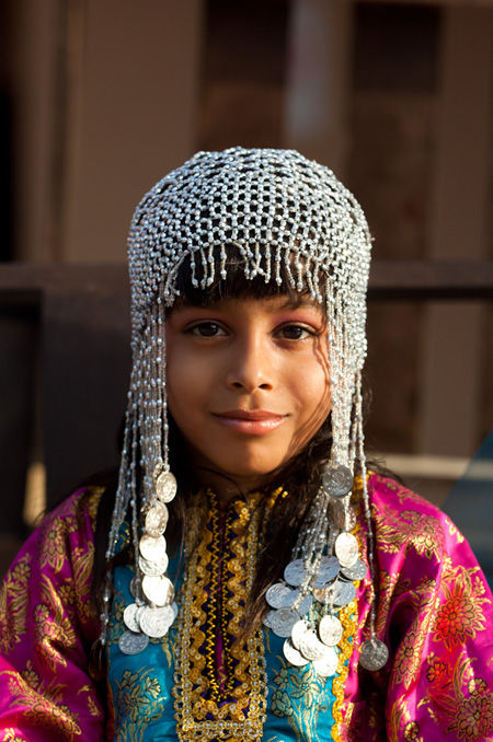 بالصور ازياء ظفارية للاطفال , ملابس عمانية , طفولة جميلة ولذيذة 418 4