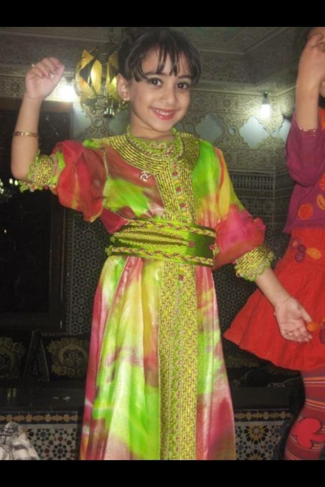بالصور ازياء ظفارية للاطفال , ملابس عمانية , طفولة جميلة ولذيذة 418 7
