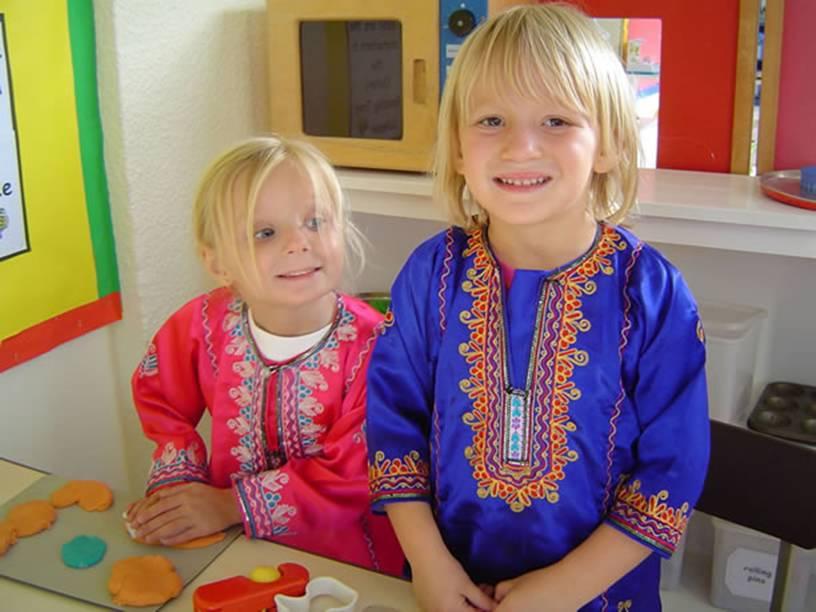 بالصور ازياء ظفارية للاطفال , ملابس عمانية , طفولة جميلة ولذيذة 418 9