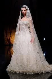 بالصور فساتين زفاف مودرن 2019 , اجمل واحدث فستان ليلة العمر 480 1