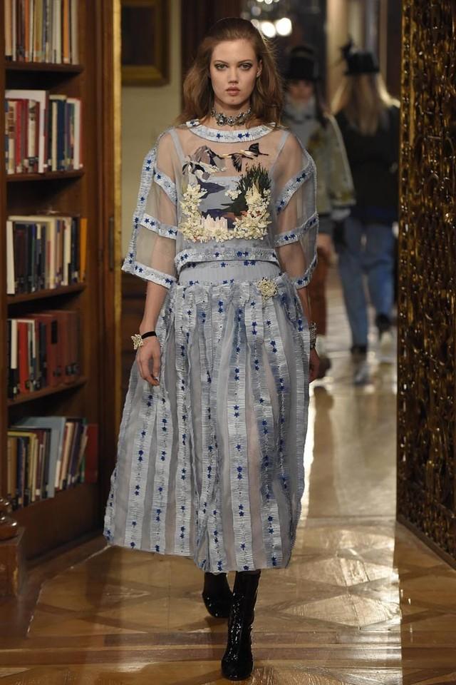 صورة ارقى موديلات الفساتين للبنات الرقيقة , اجمل فساتين موديل 2019