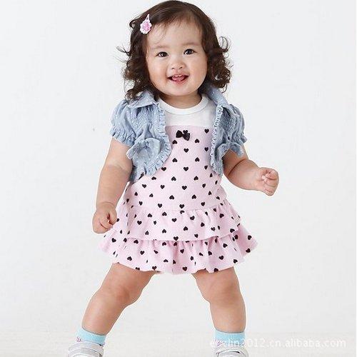 بالصور ازياء فساتين للاطفال , ملابس للاطفال رقيقة , اناقة جميلة واستيل متميز 91 3