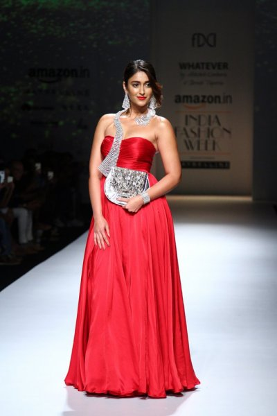 بالصور ازياء فساتين هندية 2019 , ملابس هندي جميلة , اطلاله ليس لها مثيل 36 7